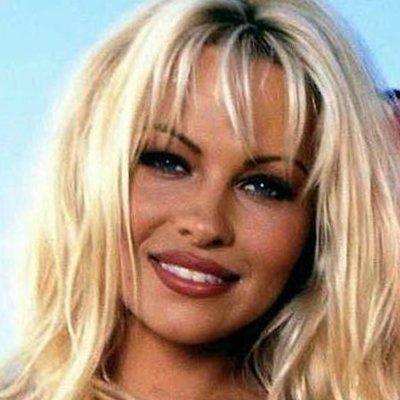 Pamela Anderson - Baywatch, Barb Wire, V.I.P.
